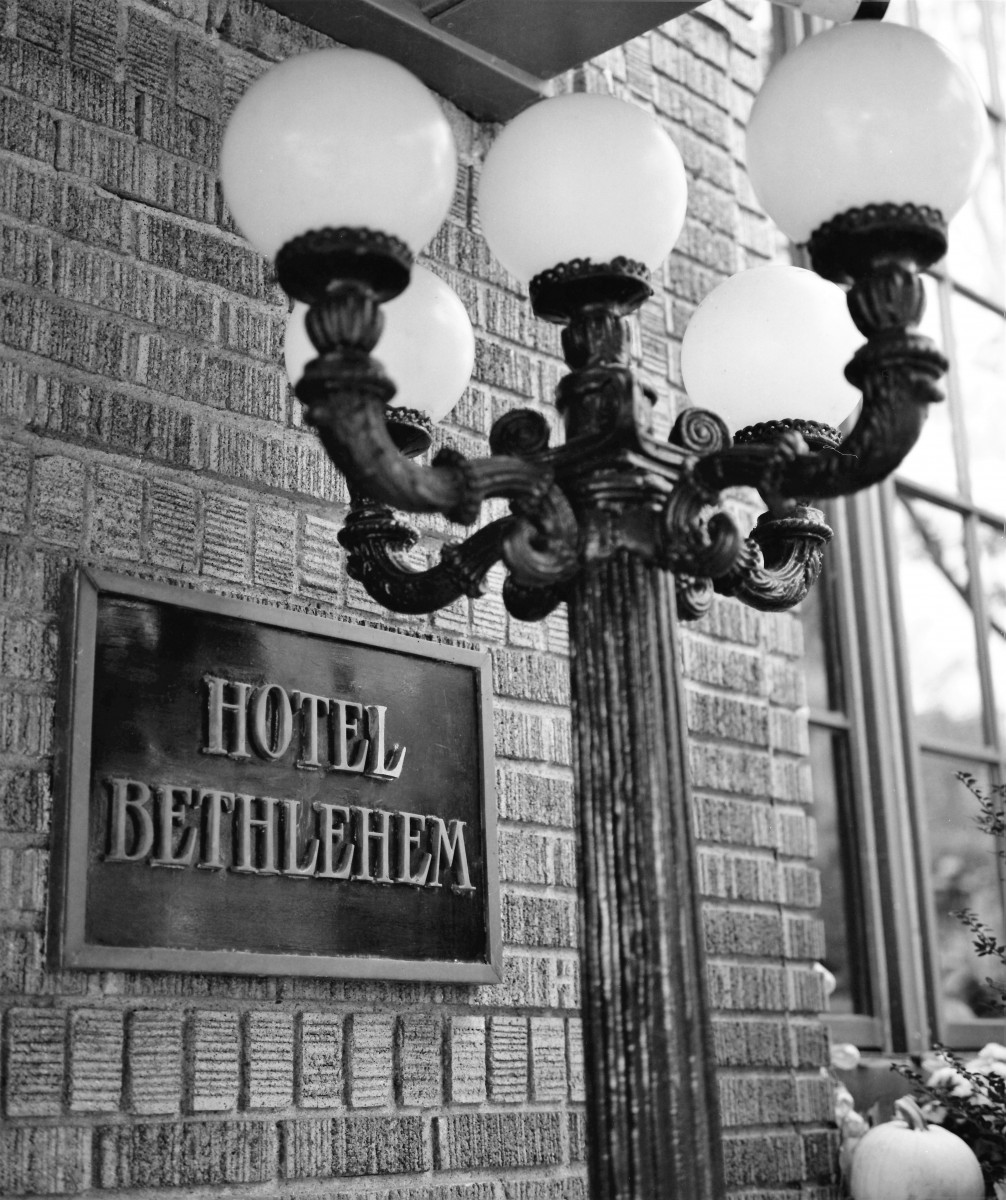 hotel-bethlehem-sign